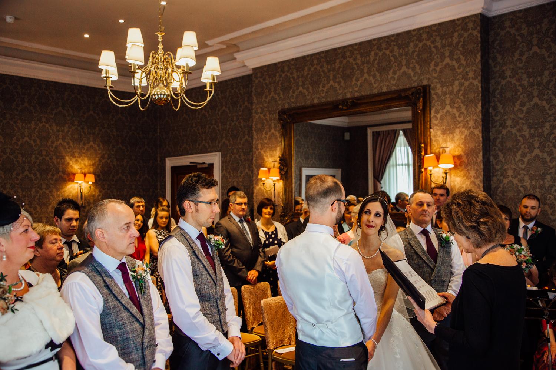 Ringwood Hall sheffield wedding photographers (40).jpg