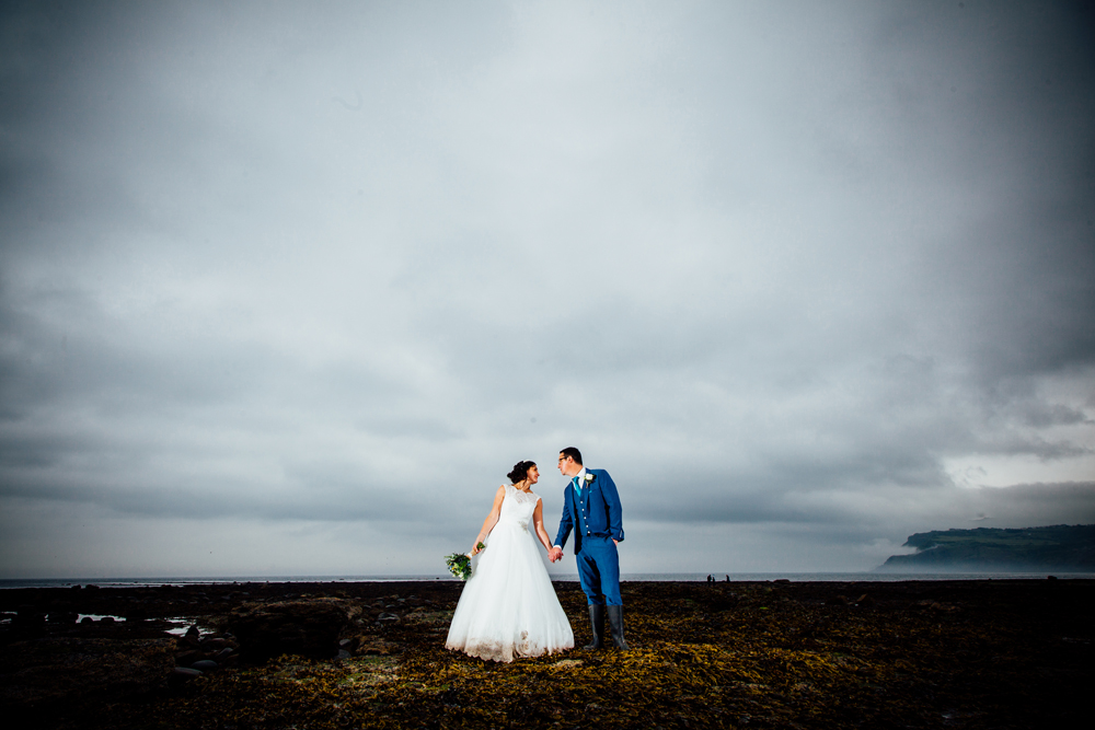 robin hoods bay wedding photographers (8).jpg