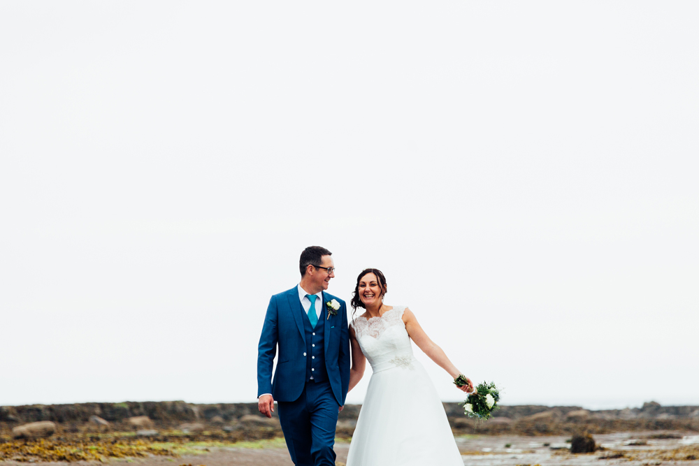 robin hoods bay wedding photographers (10).jpg