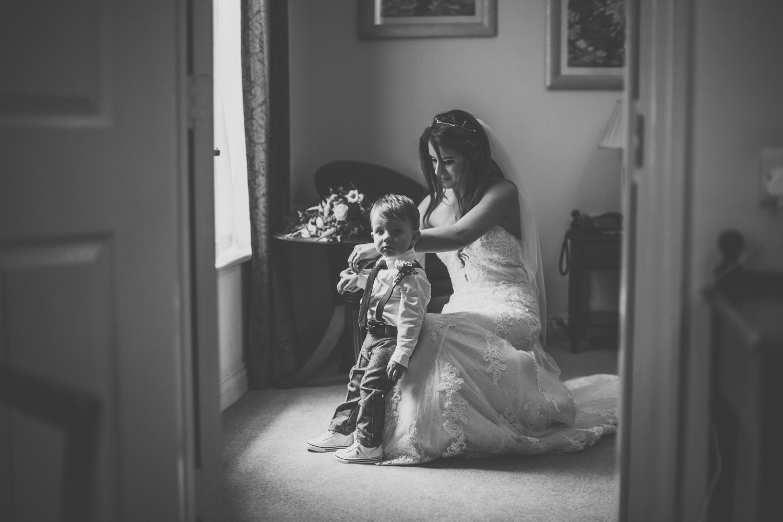 rotherham wedding photography ringwood hall quirky23.jpg