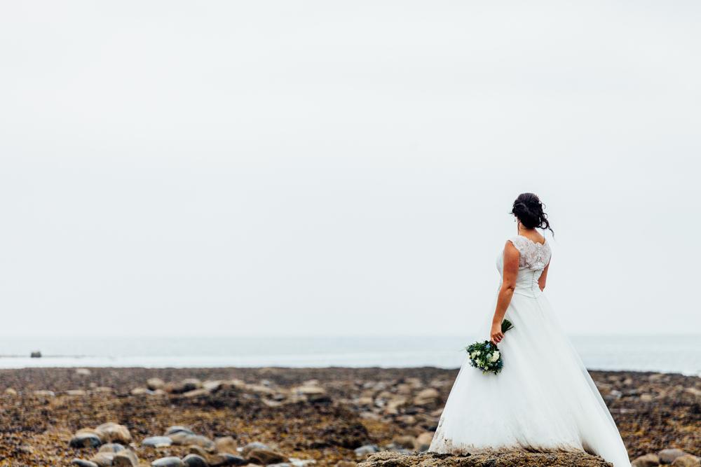 robin+hoods+bay+wedding+photographers yorkshire (7).jpg