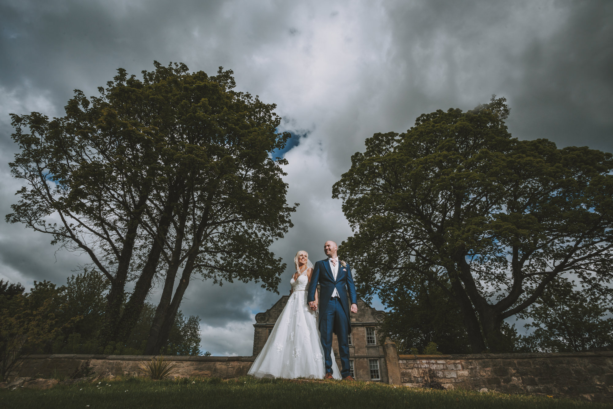 weddings at hellaby hall photogenick