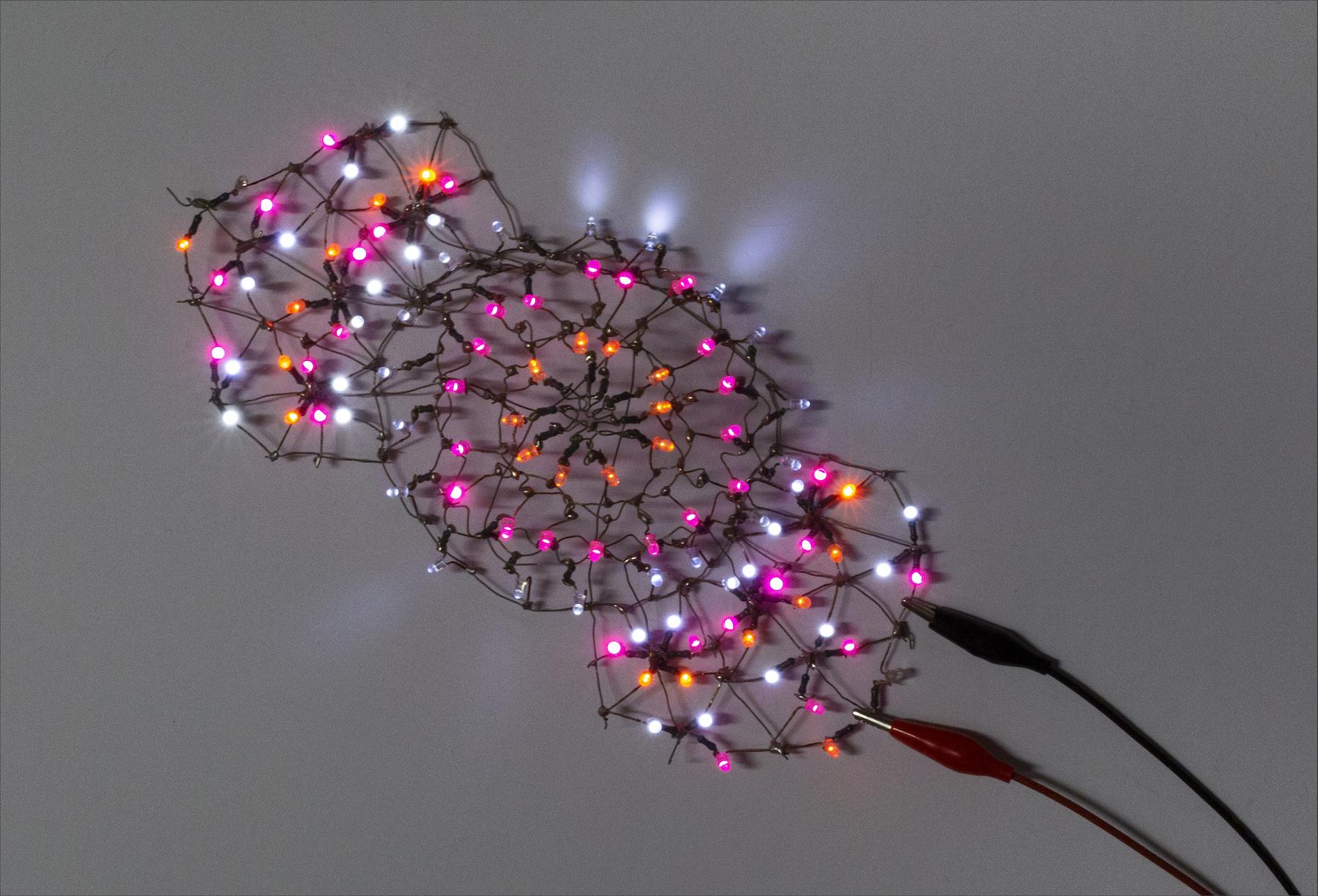 Salmanson_LighterThanAir6-View3_LED+wire_9.4x4x2.4_2014.jpg