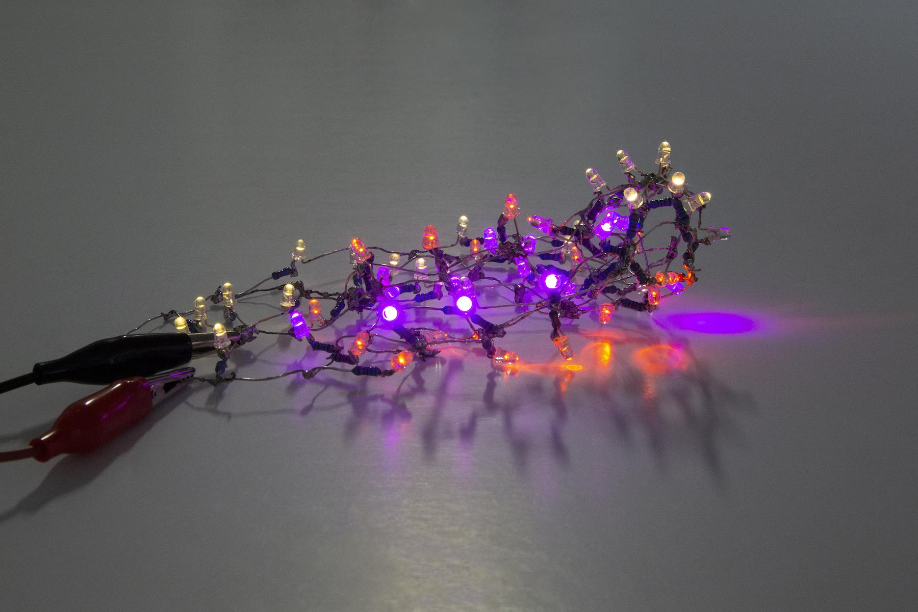 Salmanson_LighterThanAir15-View1_LED+wire_5.6x3.6x1.7_2018.jpg