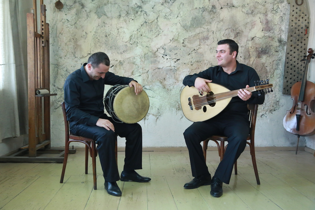 Tigran & Aram Lauging.JPG