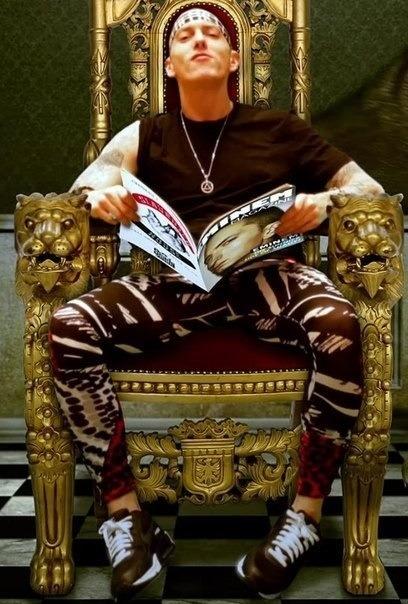 throne.jpg