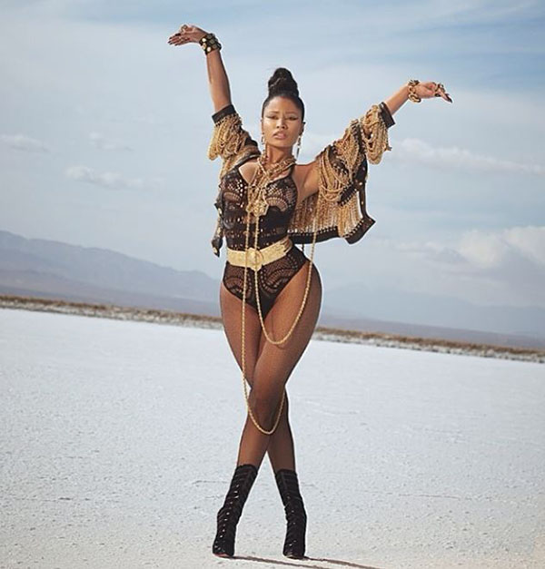 Nicki-Minaj-Moschino.jpg