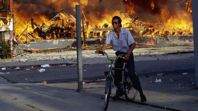 los-angeles-riots-bicycle_0.jpeg