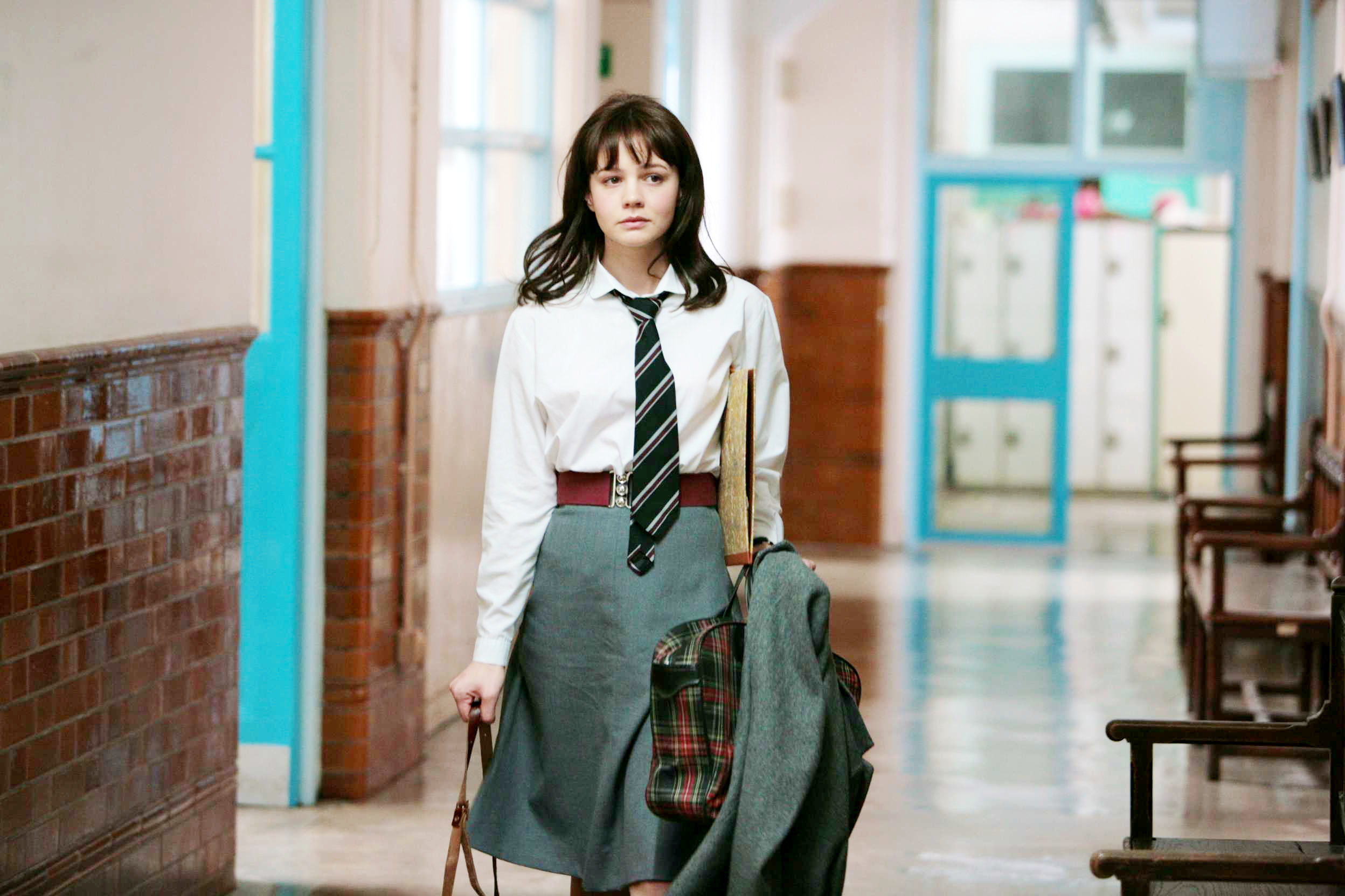 I wish American school uniforms were this chic