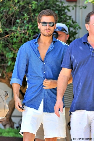 Scotty does have some great summer leisure wear. This casual chambray shirt looks fresh with light shorts.