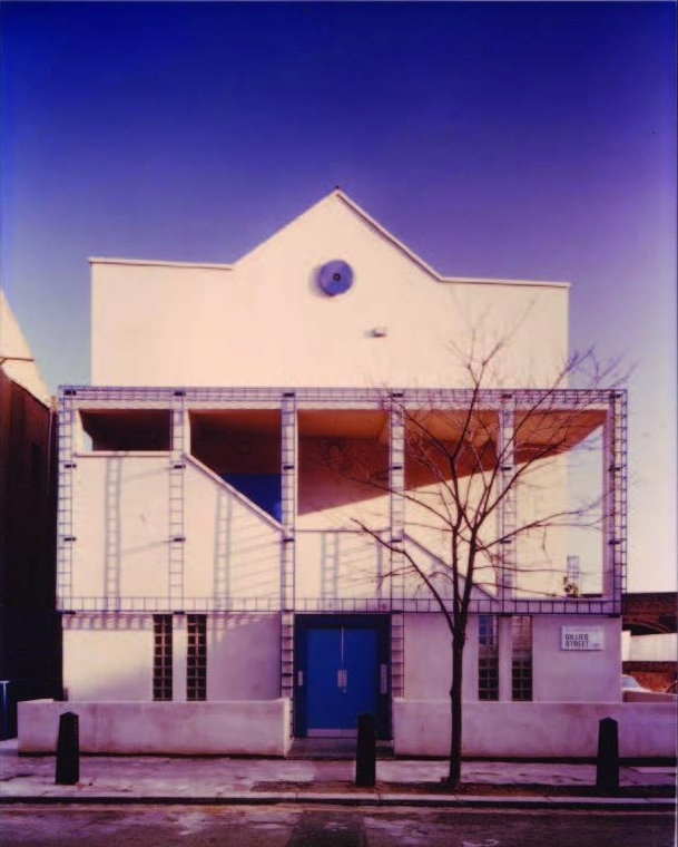 Photo of the original building from a report by Anne Thorne Architects