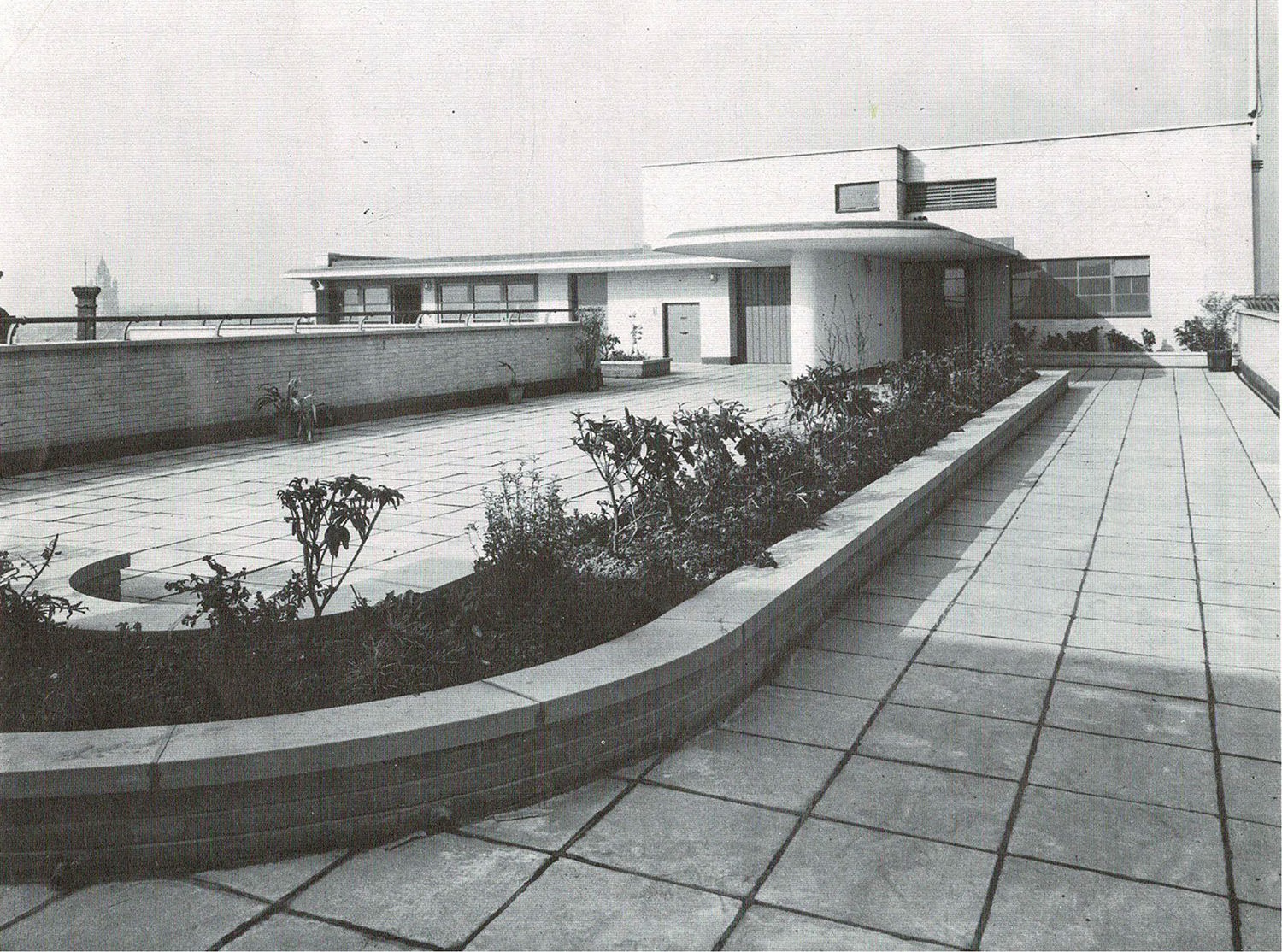 """Historic photo of roof terrace: """"The German Hospital Hackney, A social and architectural history""""  (booklet produced by Hackney History Society, 1991, Elizabeth McKellar)"""