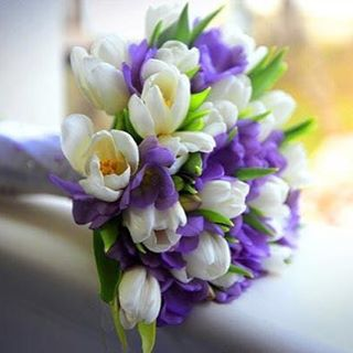 С праздником весны, дорогие девушки! 💐 #весна #цветы #тюльпаны #мило #Москва #ателье #счастеесть #atelier #timetobehappy #tobebeautiful #handmade #spring #flowers #дизайнерскаяодежда