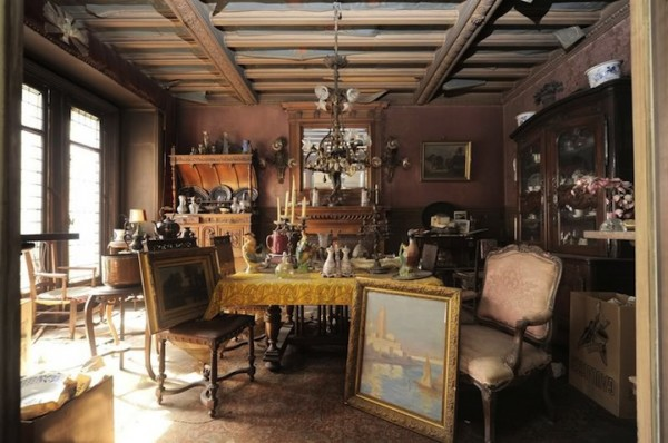 Untouched-Apartment-In-Paris-Discovered-after-70-years-3.jpg