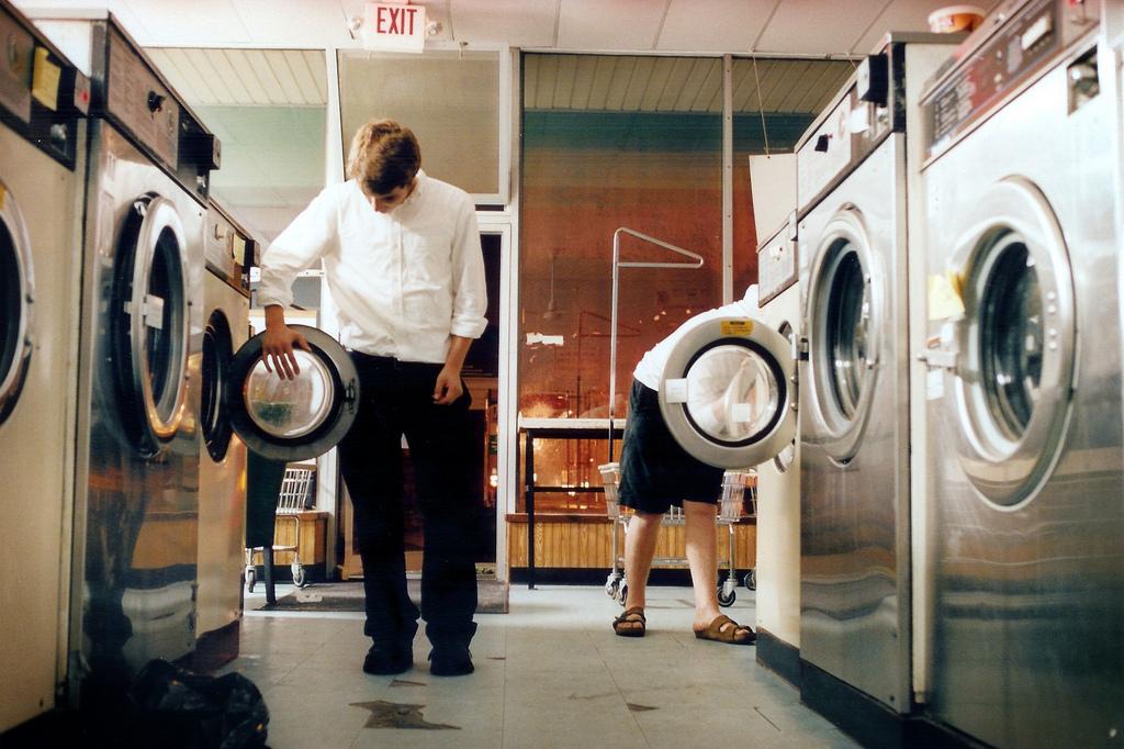 16_Laundromat.jpg