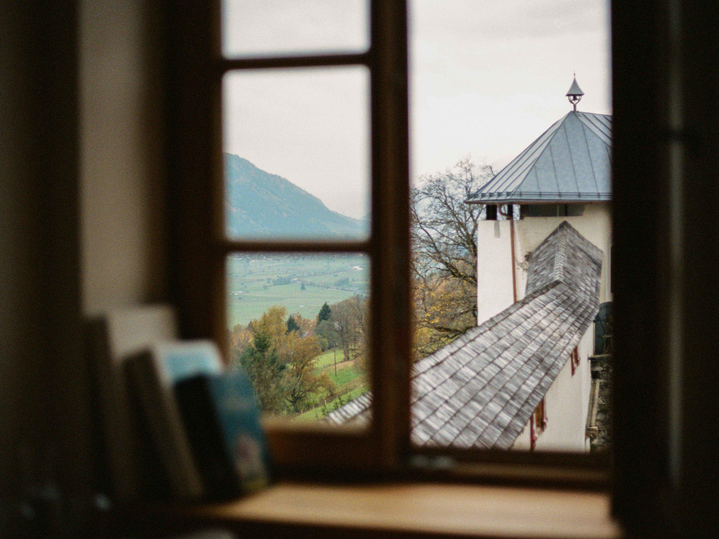 Castle Window @ Schloß Mittersill, Kodak 400