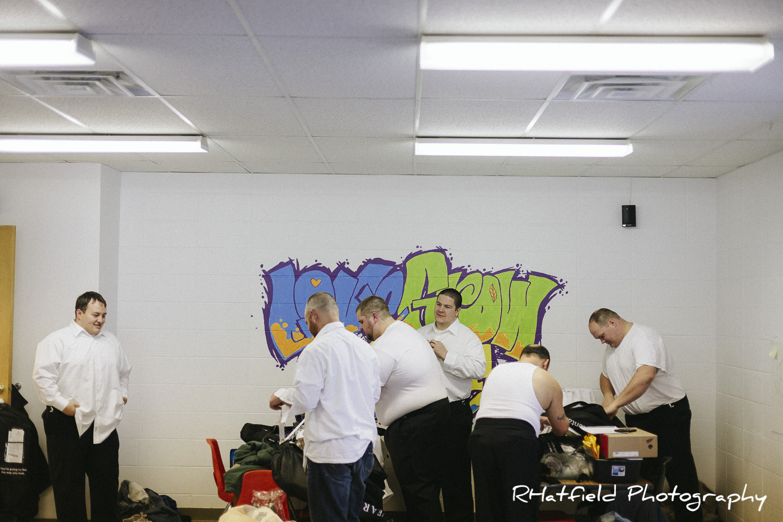groomsmen_getting_ready