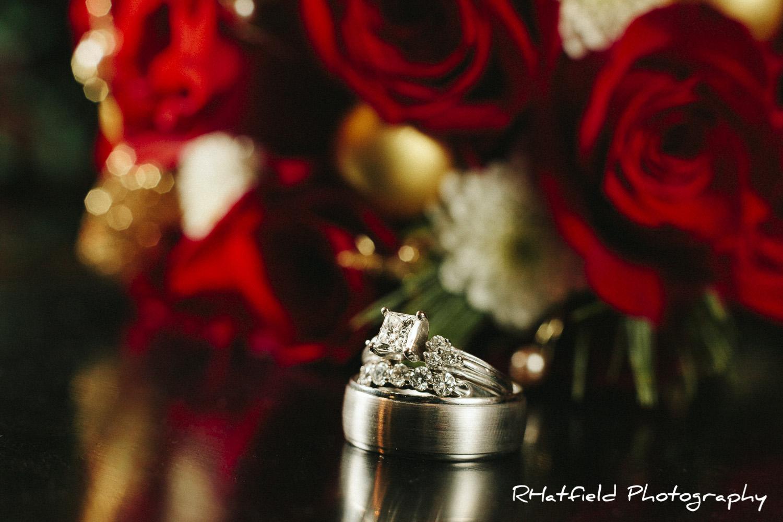wedding_rings_roses_christmas
