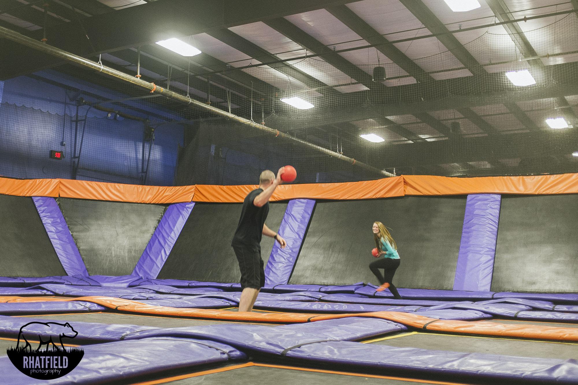 couple-playing-dodgeball