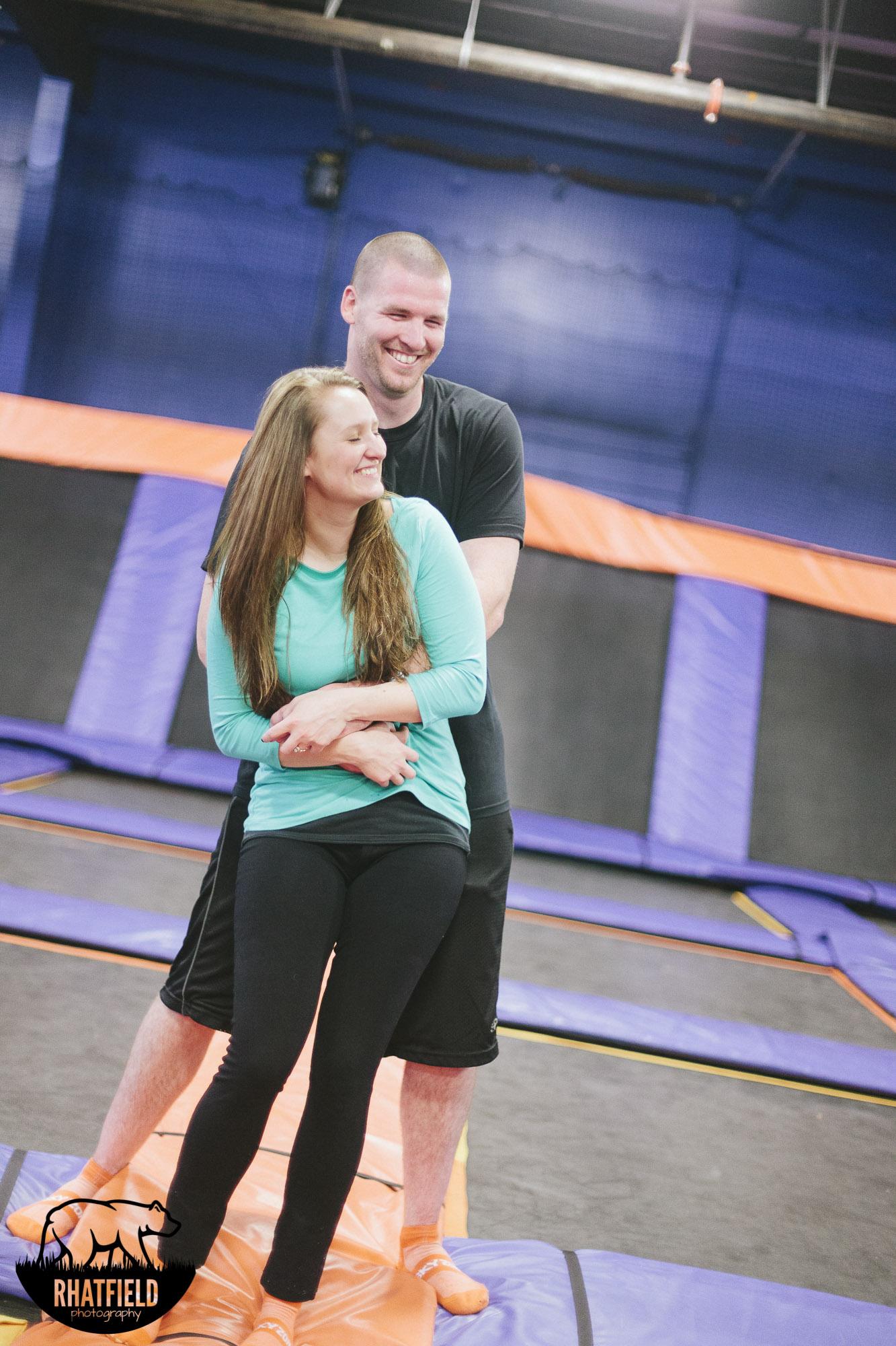 tickle-trampoline-skyzone-couple