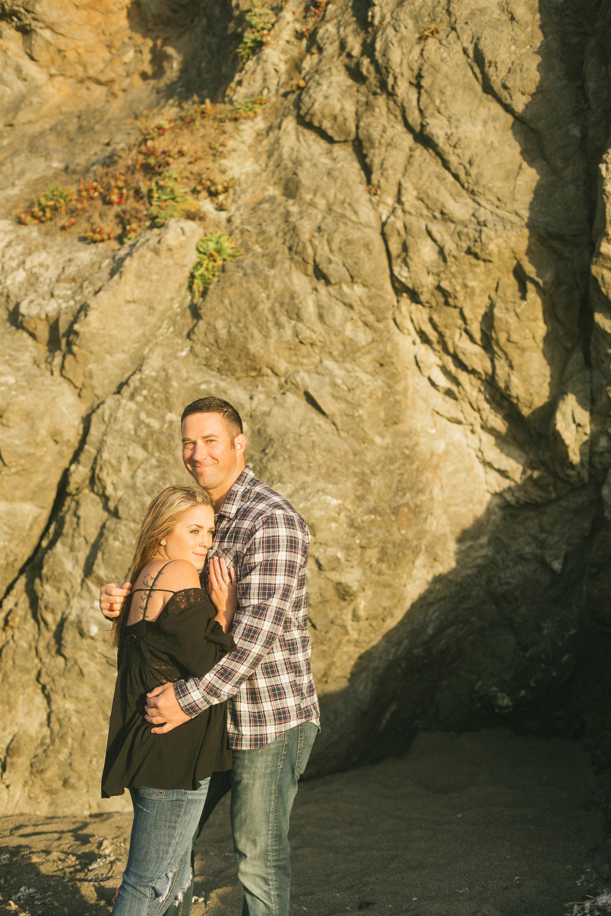 rocky-cliff-hug-couple