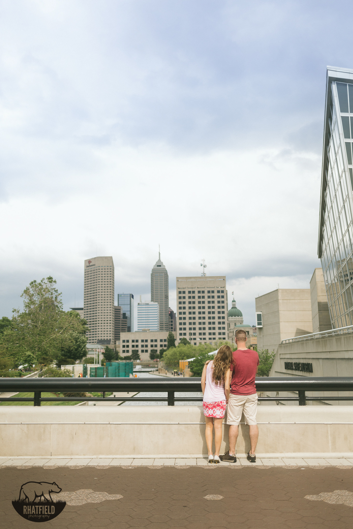 couple-overlooking-indianapolis-bridge