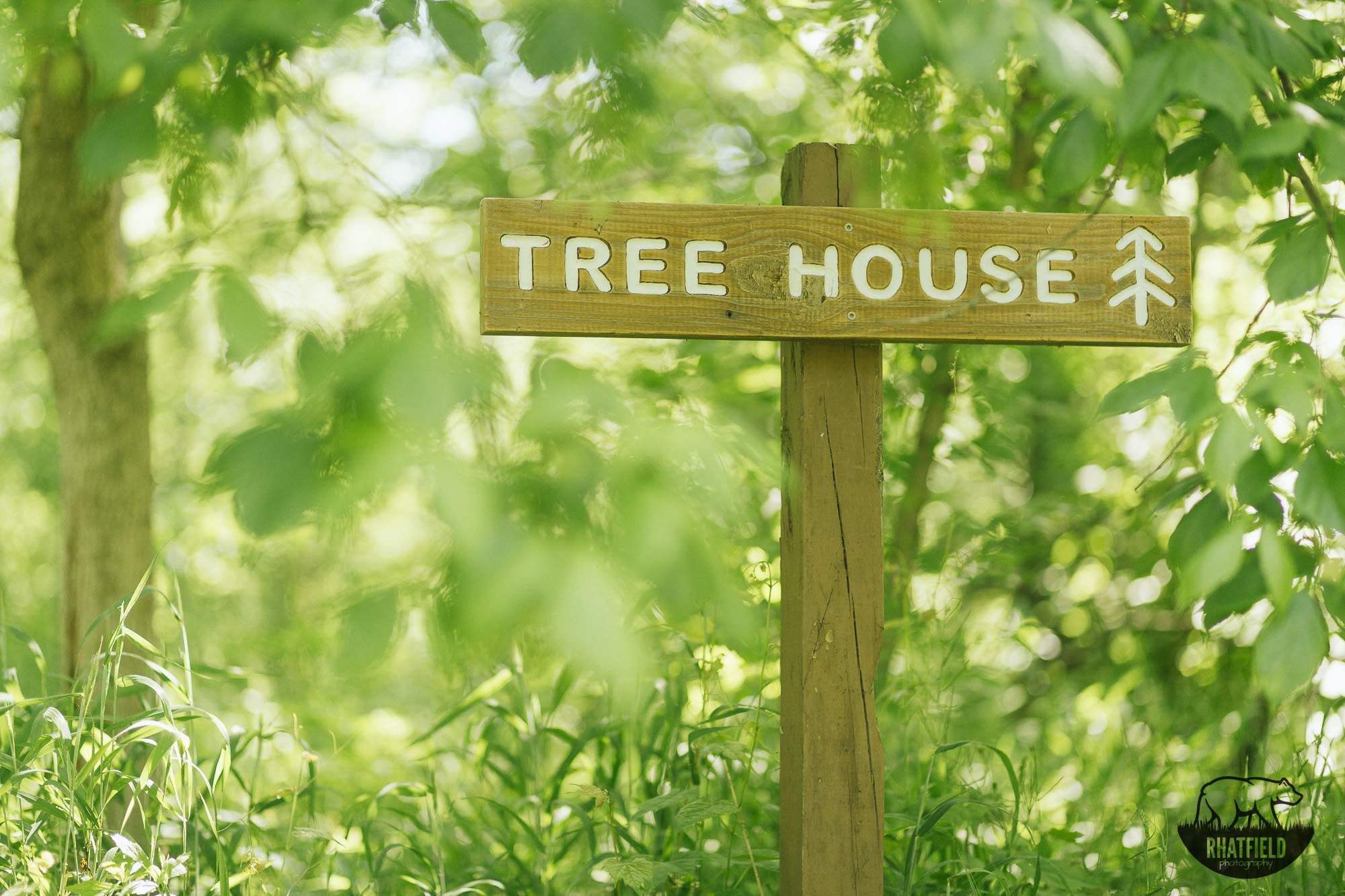 tree-house-sign-trail