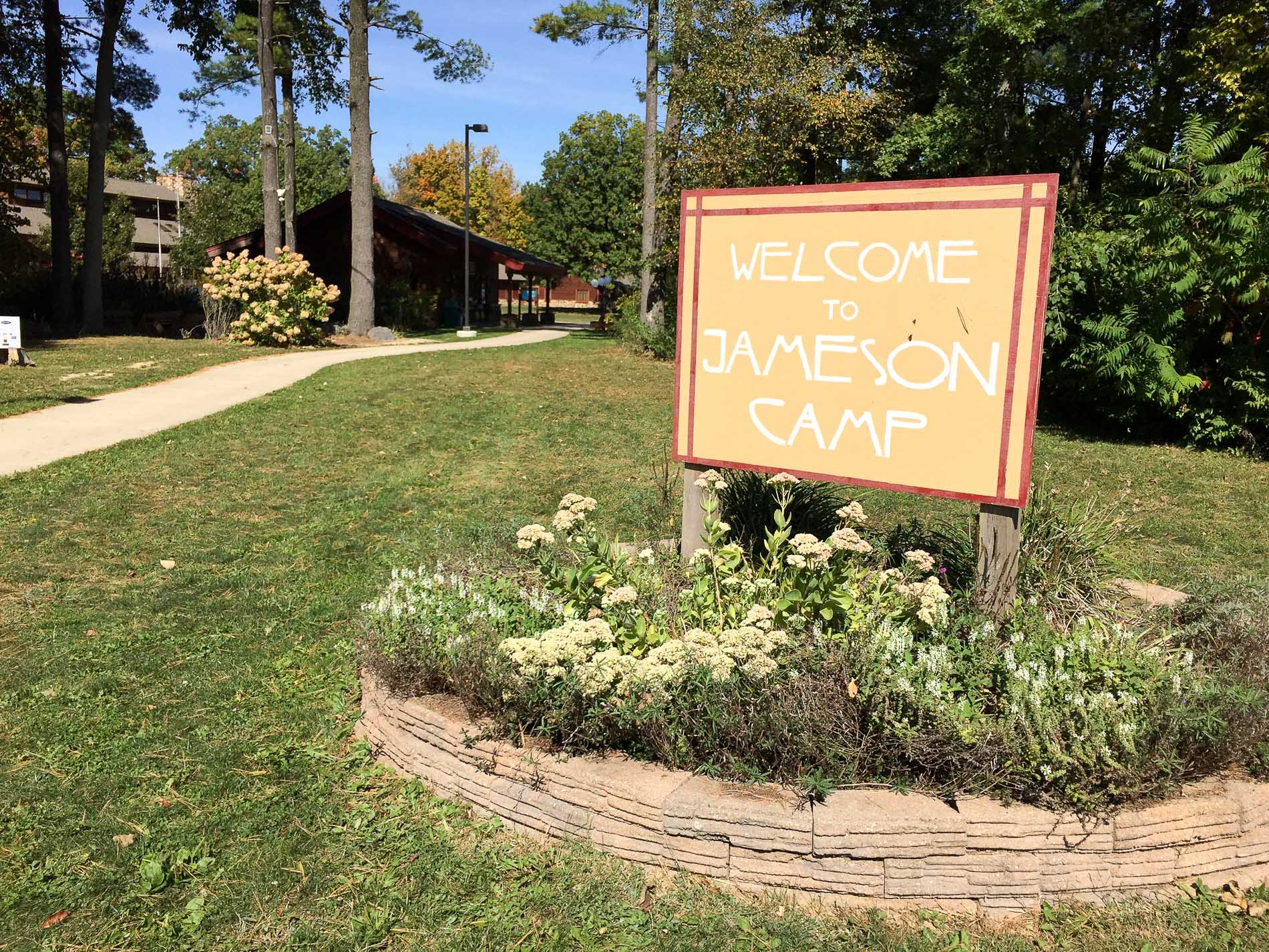 Jameson-Camp-sign-Indianapolis-Weding