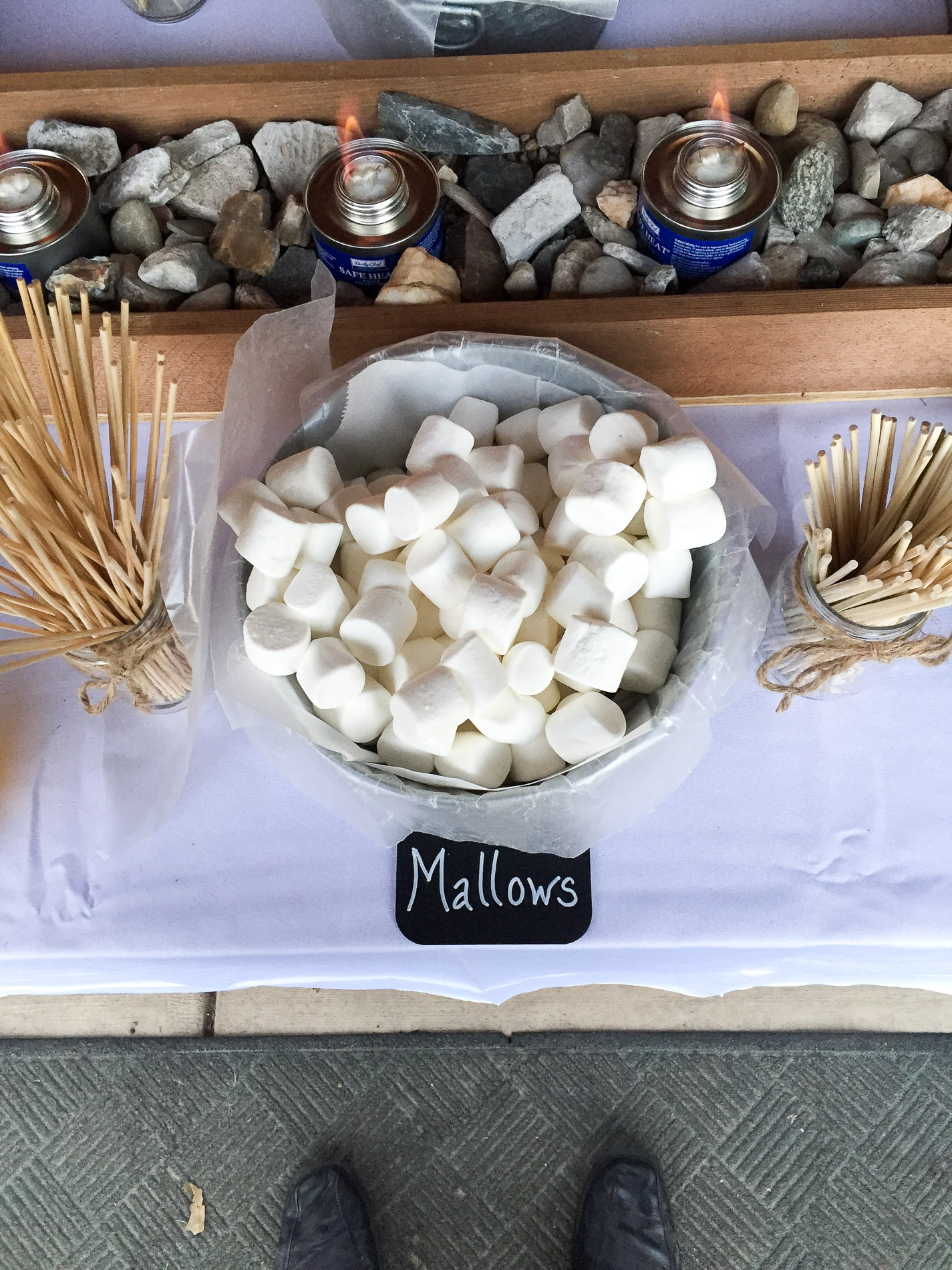wedding-Smores-Marshmallows-bar