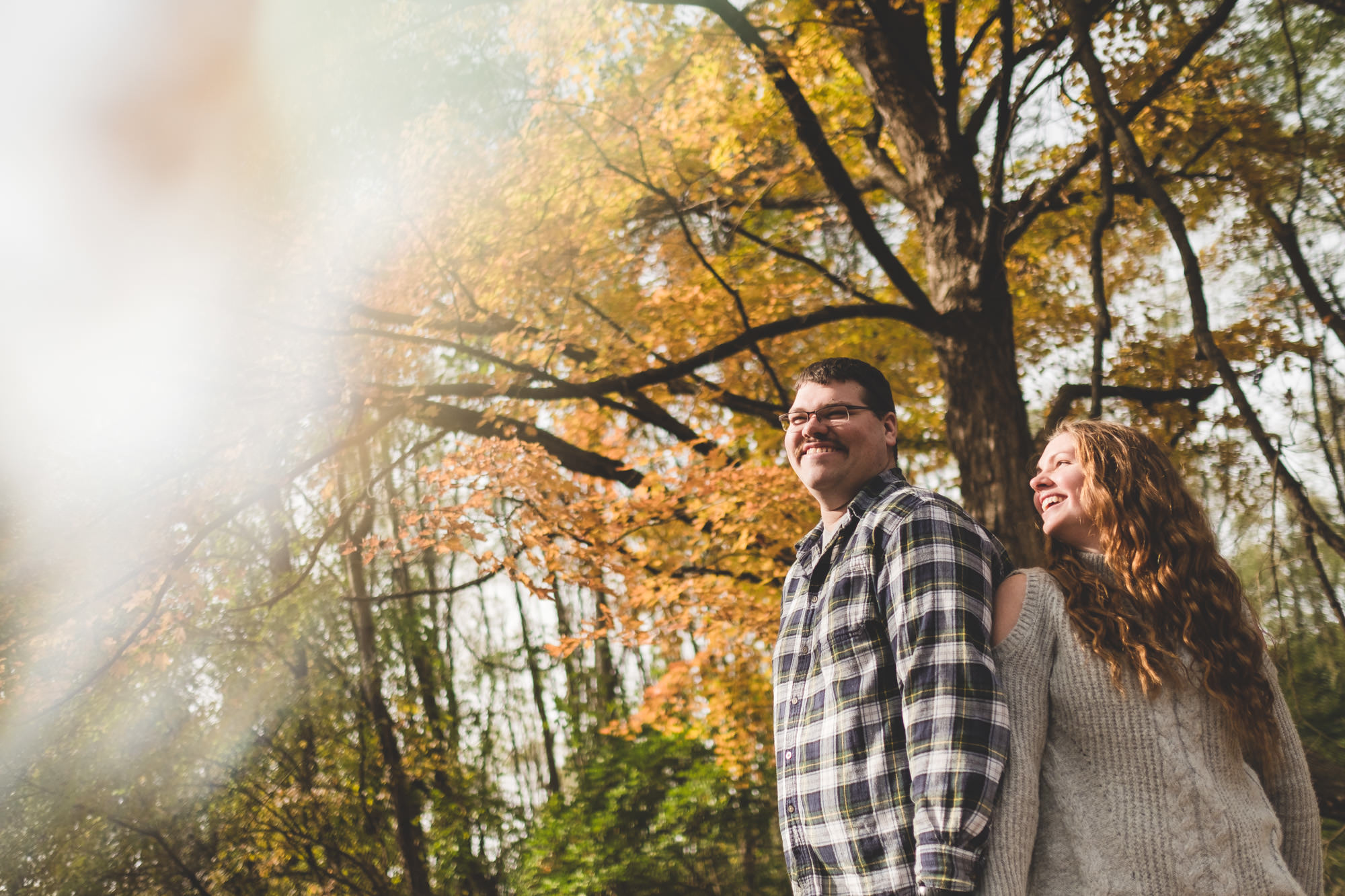 artistic-nature-engagement-photos-fall-leaves