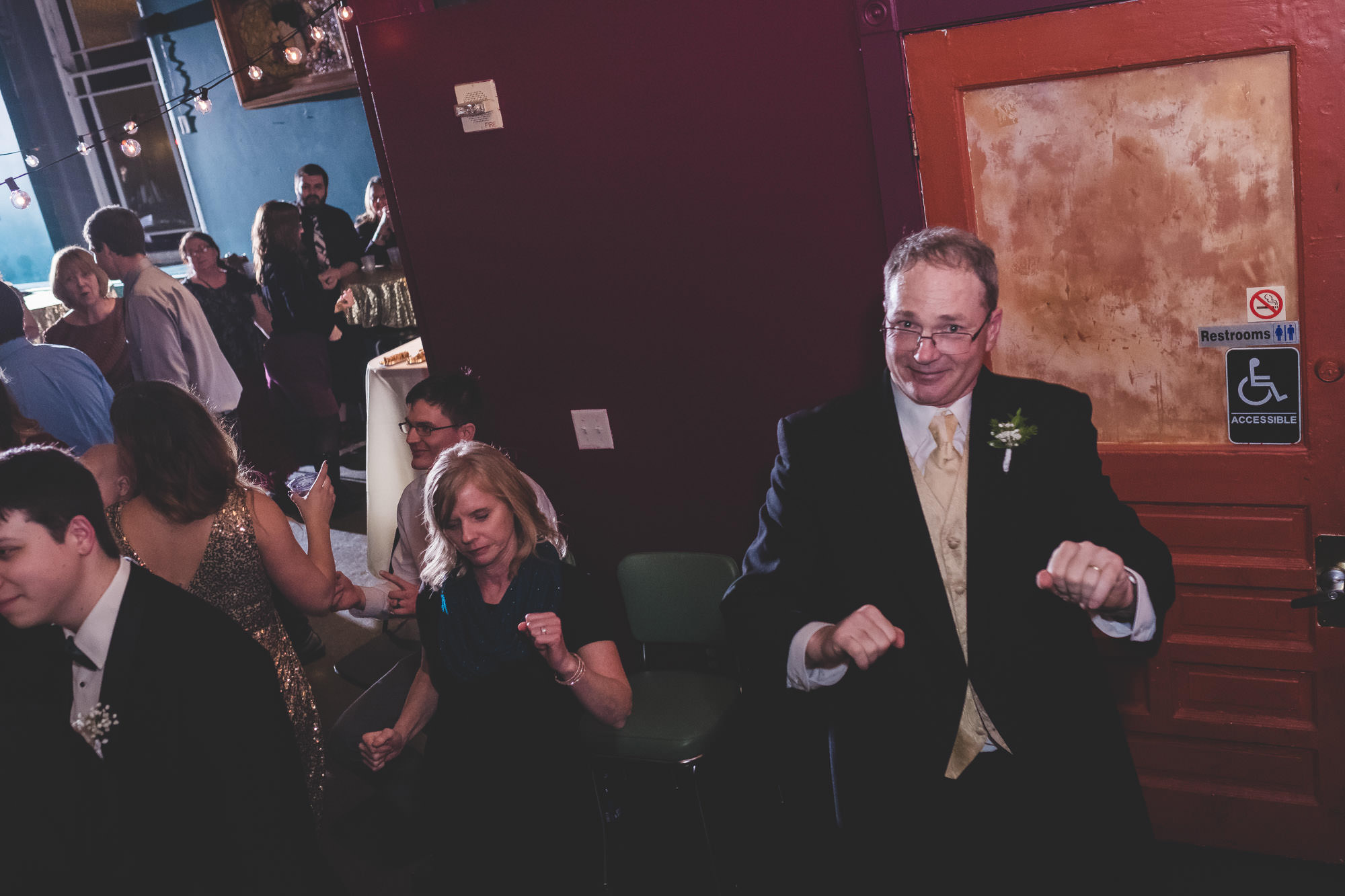 Marissa and Ryans Leaping Lizards Wedding Covington Ky - www.RHatfieldPhotography.com