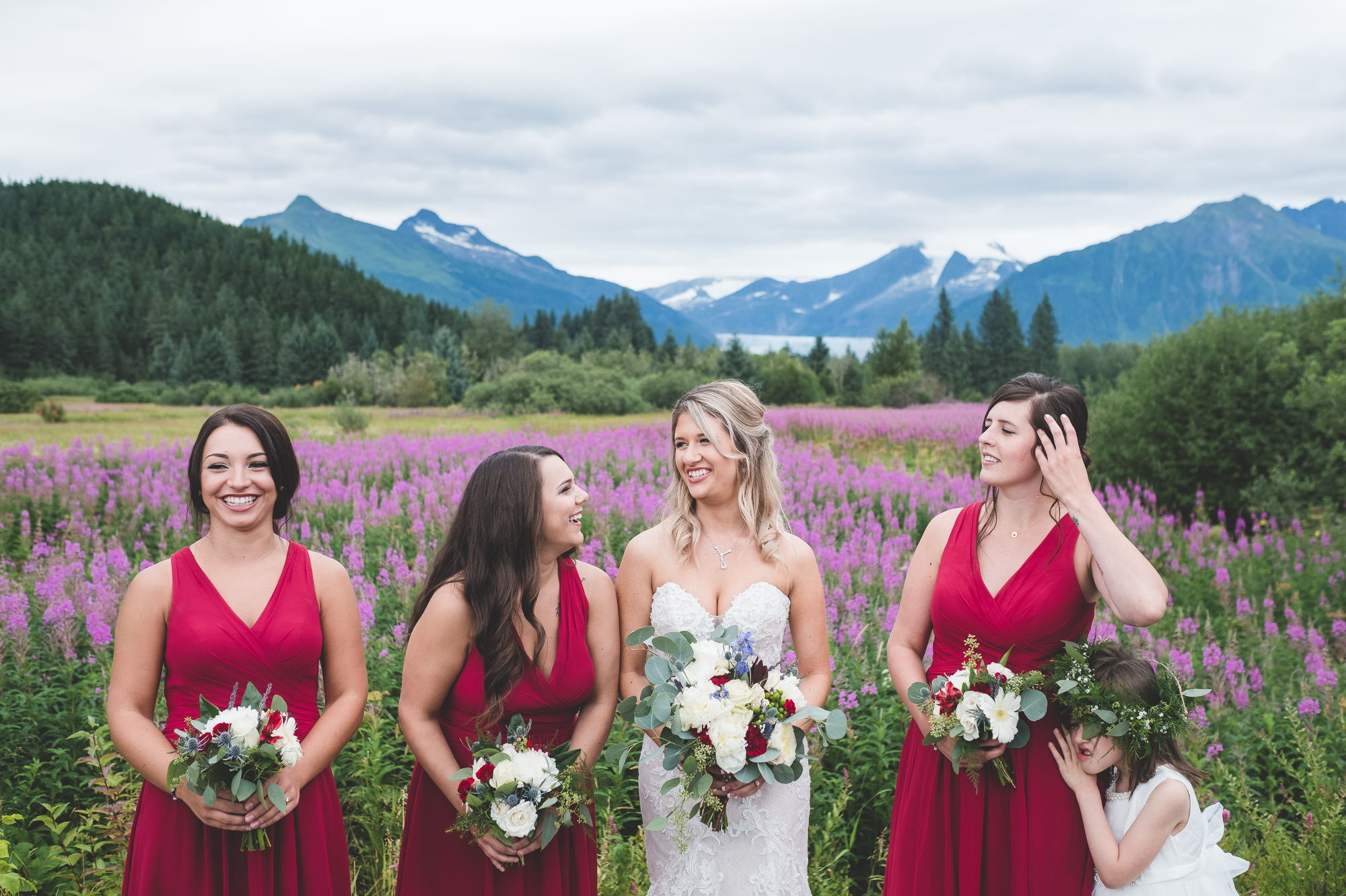 bridesmaids-laughing-together