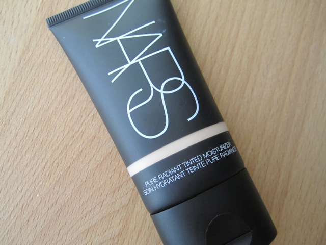 NARS Pure Radiant Tinted Moisturizer in Finland
