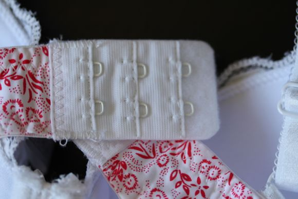 Sturdy bra clasp with felt backing to help reduce friction