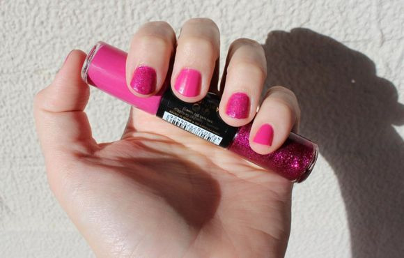 Essence Circus Circus Colour3 Nail Polish in 04 Cotton Candy in direct sunlight