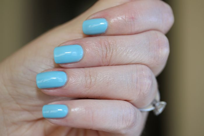 CND's Vinylux in Azure Wish