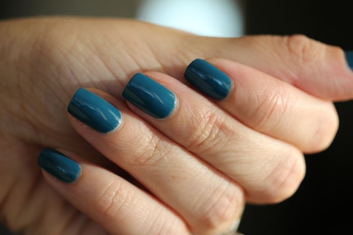 CND's Vinylux in Blue Rapture