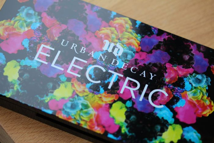 Urban Decay's Electric Pressed Pigment Palette