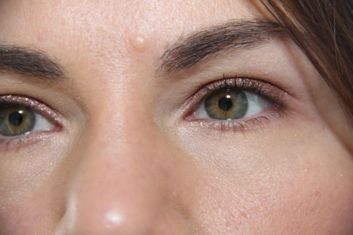 Wearing New Moon on my eye lids atop Urban Decay's Limit
