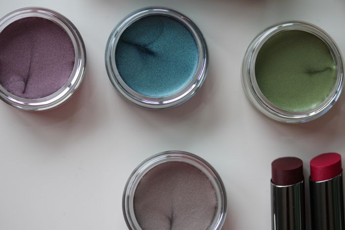 Cream Eye Colors in Violet Storm, Coastal Blue, Meadow Grass and Glacier Gray