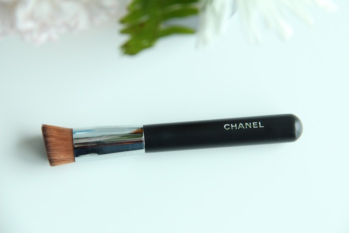 Chanel's 2-in-1 Foundation Brush