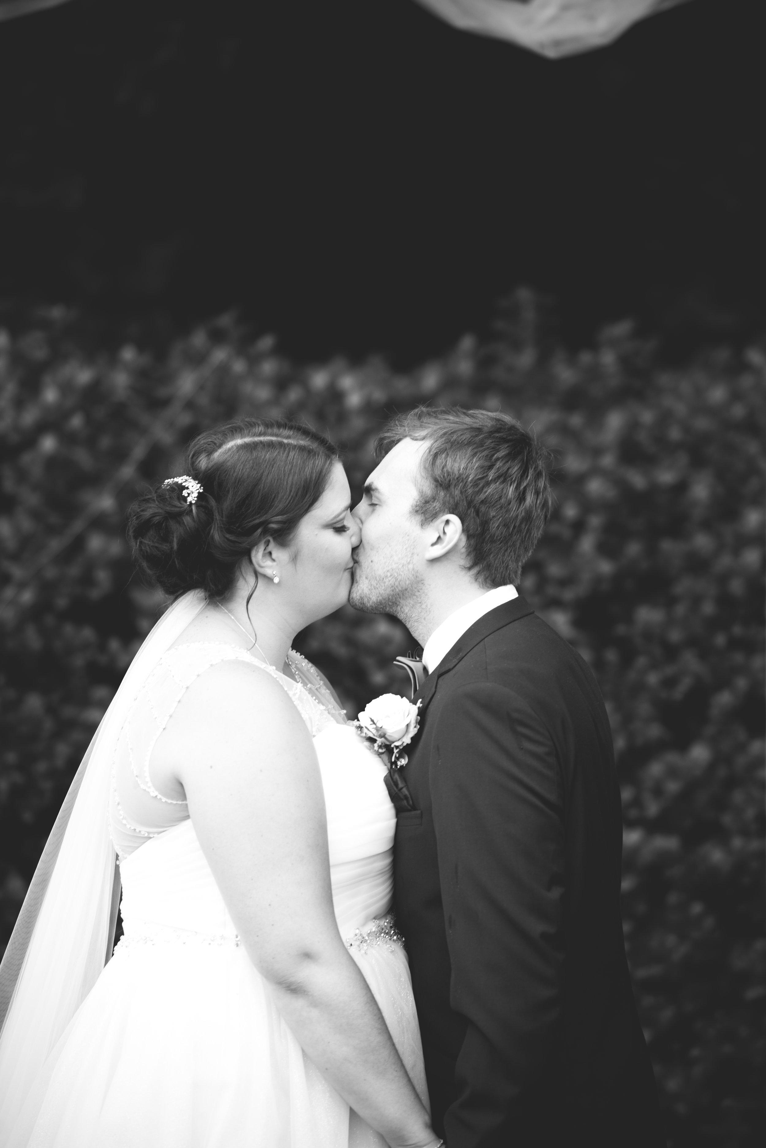 Molly&Aaron's wedding-3761-2.jpg