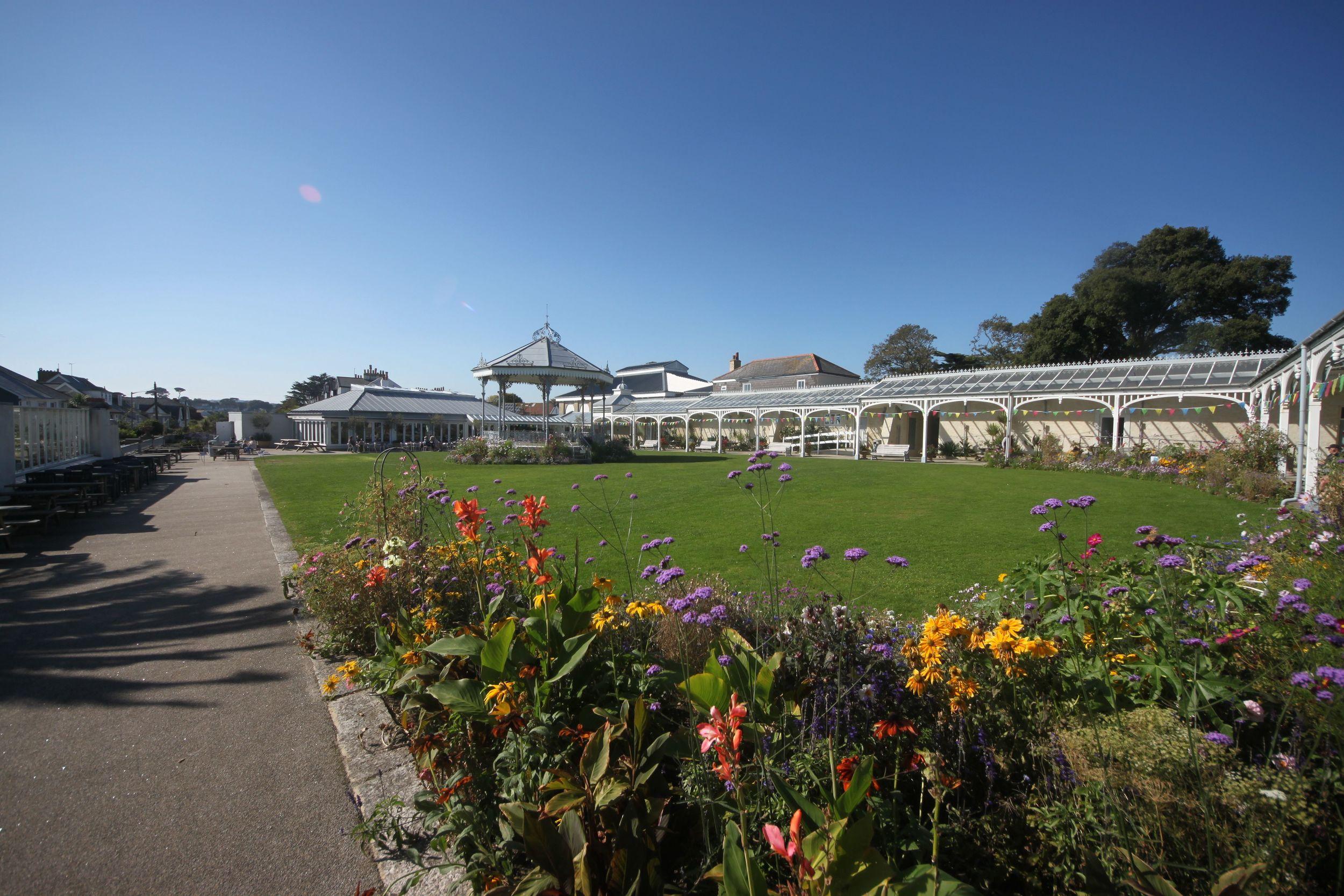 gyllyngdune gardens