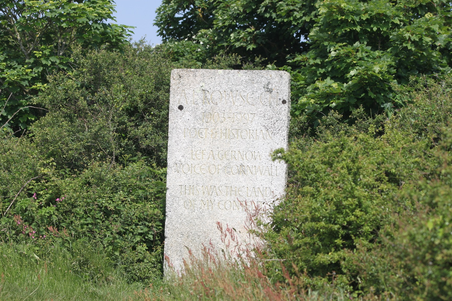 memorial to a l rowse