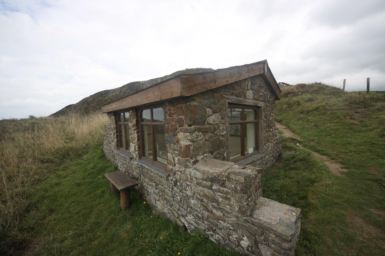 ronald duncan's hut