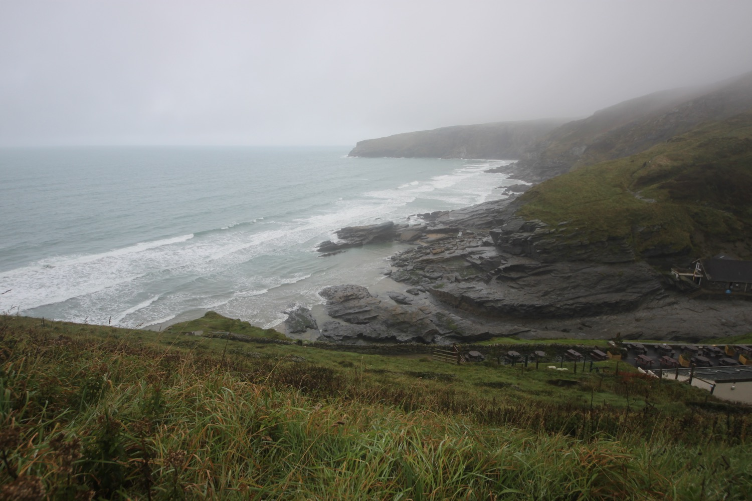 dreary view over trebarwith strand