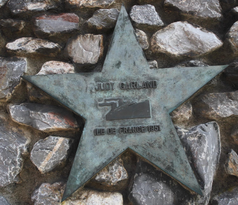 wall of stars 6.jpg