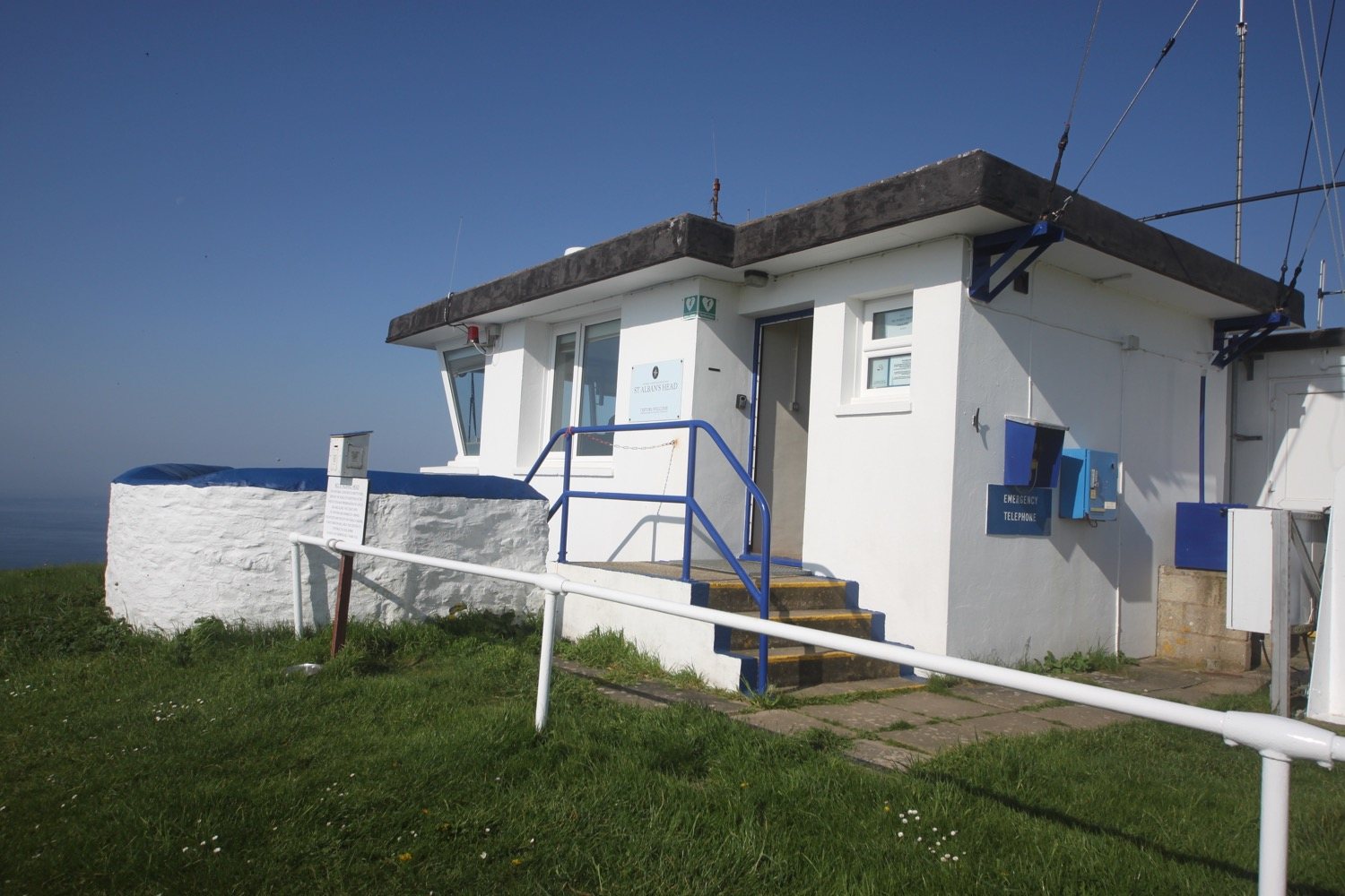 st alban's head national coastwatch station
