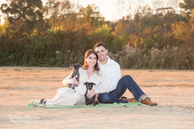 expecting_famiy_portrait-pets_Charleston_SC