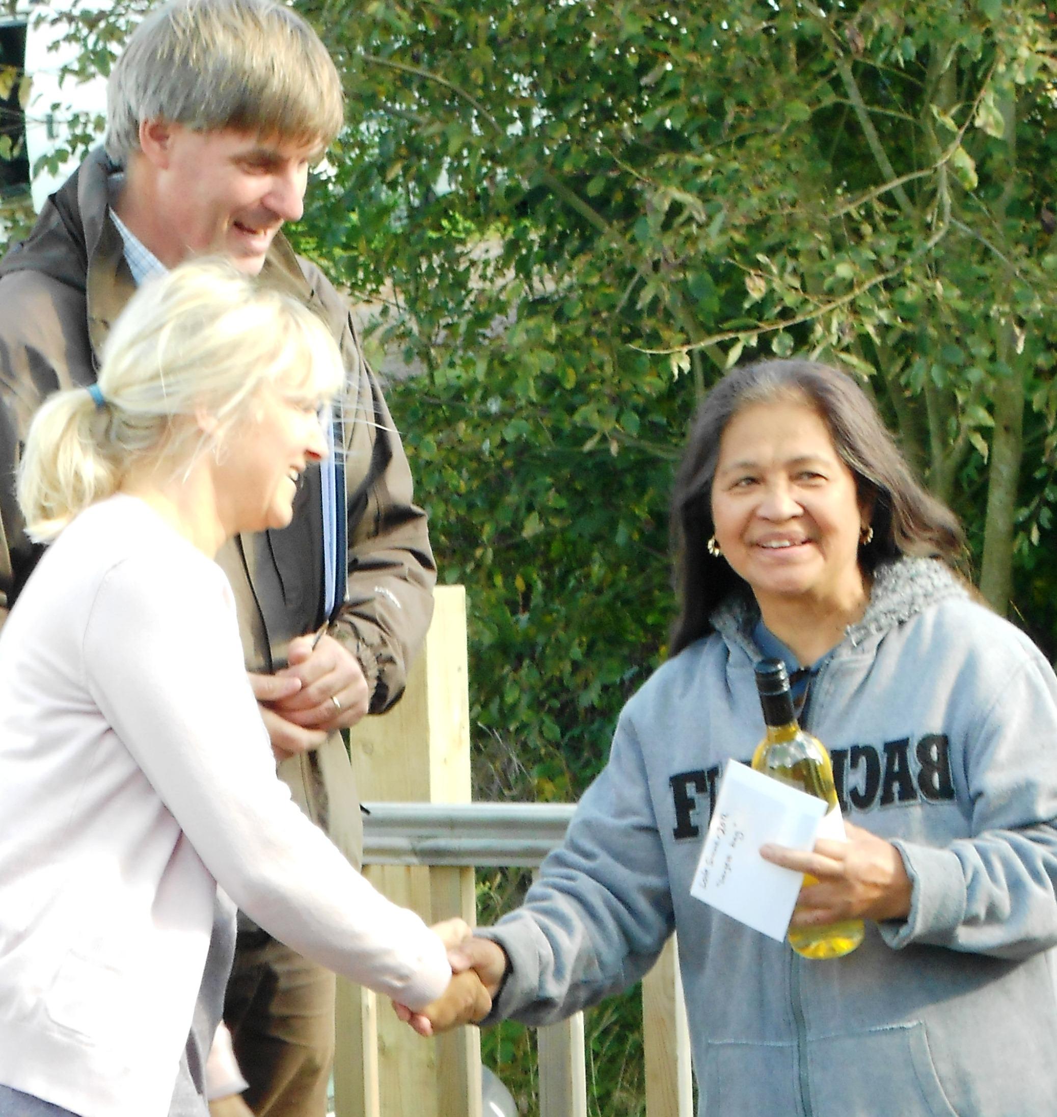 Marina Aylett wins heaviest bag at Brick Farm Lakes Late Summer Competition